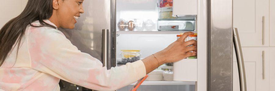 solutions-pour-reparer-un-refrigerateur-qui-coule-ou-fuit